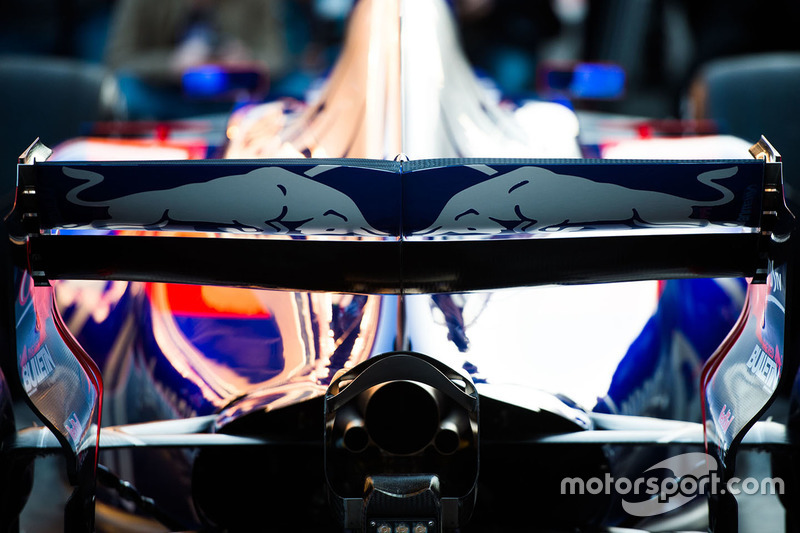 Scuderia Toro Rosso STR12 rear wing detail