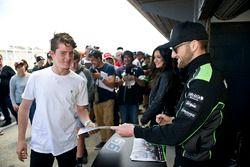 Tom Sykes, Kawasaki Racing avec des fans