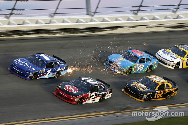 Austin Dillon, Richard Childress Racing Chevrolet Elliott Sadler, JR Motorsports Chevrolet