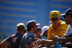 Nico Hulkenberg, Renault Sport F1 Team, y Felipe Massa, Williams, Fernando Alonso, McLaren