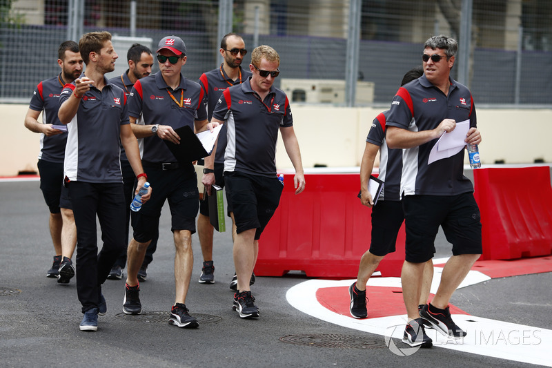 Trackwalk: Romain Grosjean, Haas F1 Team