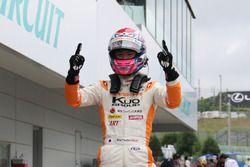 鈴鹿戦で2連勝を果たした坪井翔(カローラ中京 Kuo TOM'S F317)