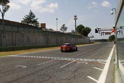 Giovanni Altoe, Seat Motor Sport Italia, Seat Leon Cupra ST-TCS2.0 prende la bandiera a scacchi