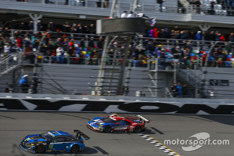 #66 Ford Performance Chip Ganassi Racing Ford GT: Joey Hand, Dirk Müller, Sébastien Bourdais takes the checkered flag