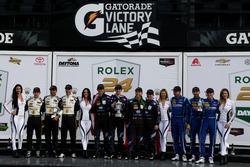 Podium: ganador #10 Wayne Taylor Racing Cadillac DPi: Ricky Taylor, Jordan Taylor, Max Angelelli, Je