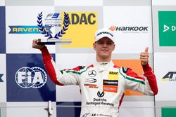 Rookie Podium: first place Mick Schumacher, Prema Powerteam, Dallara F317 – Mercedes-Benz