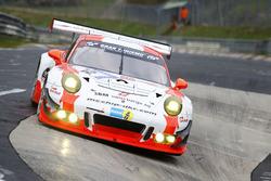 #12 Manthey Racing, Porsche 911 GT3 R: Otto Klohs, Mathieu Jaminet, Matteo Cairoli