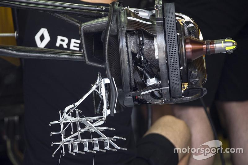 """تفاصيل علبة المكابح الأماميّة وأنظمة الاستشعار على سيارة رينو """"آر.اس17"""""""