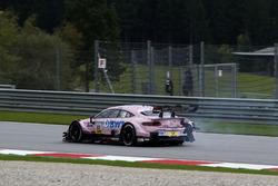 Lucas Auer, Mercedes-AMG Team HWA, Mercedes-AMG C63 DTM met schade aan zijn auto