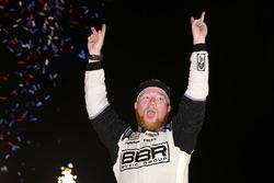 Il vincitore della gara Tyler Reddick, Chip Ganassi Racing Chevrolet