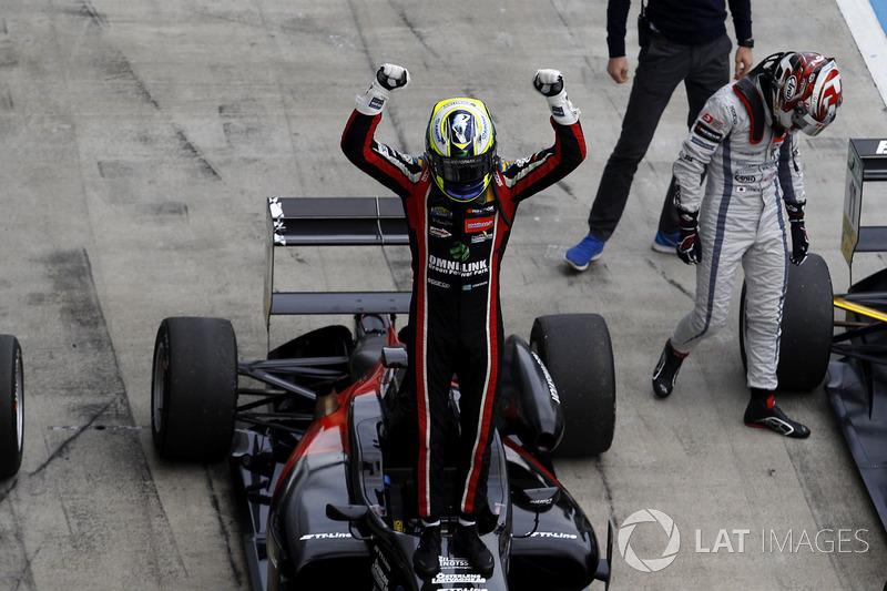 "4. <img src=""https://cdn-7.motorsport.com/static/img/cfp/0/0/0/200/207/s3/sweden-2.jpg"" alt="""" width=""20"" height=""12"" /> Джоэль Эрикссон"