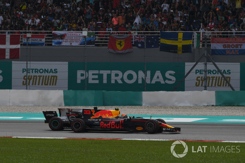 Макс Ферстаппен, Red Bull Racing RB13, Льюіс Хемілтон, Mercedes-Benz F1 W08