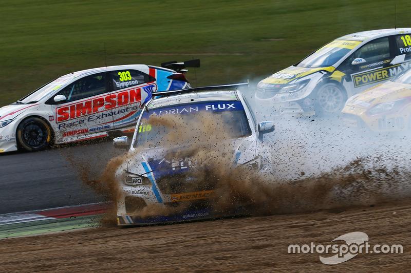 Unfall: Ashley Sutton, Team BMR, Subaru Levorg