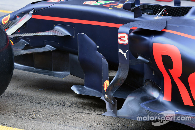 Red Bull Racing RB13 sidepod detail
