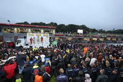 Podium: race winner Rob Austin, Handy Motorsport Toyota Avensis