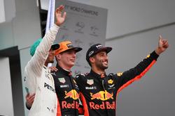Lewis Hamilton, Mercedes AMG F1, Max Verstappen, Red Bull Racing and Daniel Ricciardo, Red Bull Racing celebrate on the podium