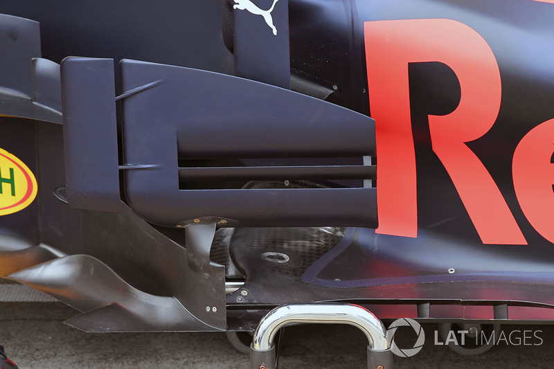 Red Bull Racing RB13 barge board detay