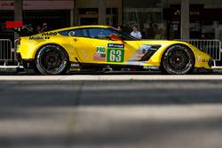 #63 Corvette Racing Corvette C7.R: Ян Магнуссен, Антоніо Гарсія, Джордан Тейлор