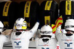Guy Martin si unsce alla pit crew Williams per la gara