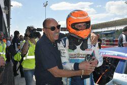Davide Di Benedetto, Scuderia Costa Ovest festeggia la vittoria di Gara 3 con il team manager Francesco Ragozzino