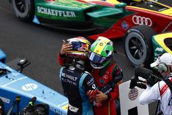 Sébastien Buemi, Renault e.Dams, shakes hands withLucas di Grassi, ABT Schaeffler Audi Sport