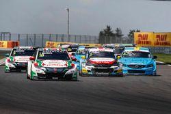 Arrancada Tiago Monteiro, Honda Racing Team JAS, Honda Civic WTCC líder