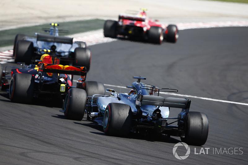 Kimi Raikkonen, Ferrari SF70H, Valtteri Bottas, Mercedes AMG F1 W08, Max Verstappen, Red Bull Racing RB13 e Lewis Hamilton, Mercedes AMG F1 W08