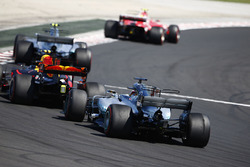 Kimi Raikkonen, Ferrari SF70H, Valtteri Bottas, Mercedes AMG F1 W08, Max Verstappen, Red Bull Racing RB13 and Lewis Hamilton, Mercedes AMG F1 W08