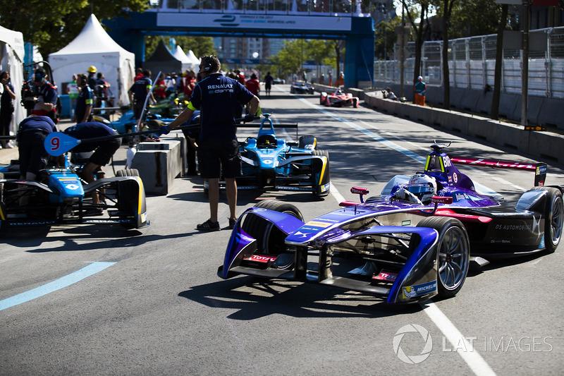 Sam Bird, DS Virgin Racing, deja los pits