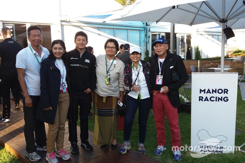 Foto grup bersama Rio Haryanto