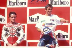 Podium: winnaar Mick Doohan, Honda, tweede plaats Daryl Beattie, Suzuki