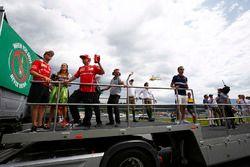 Sebastian Vettel, Ferrari, Kimi Raikkonen, Ferrari, Daniil Kvyat, Scuderia Toro Rosso, Carlos Sainz
