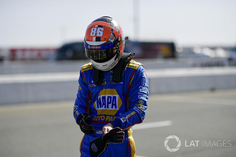 "Andretti Autosport: <img src=""https://cdn-8.motorsport.com/static/img/cfp/0/0/0/200/228/s3/united_states-2.jpg"" alt="""" width=""20"" height=""12"" />Александр Росси (№98)"