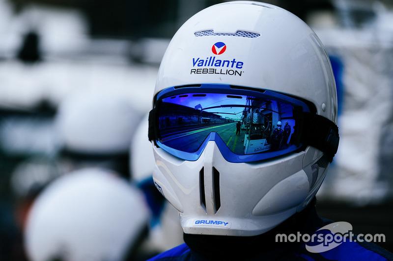 Vaillante Rebellion Racing crew member