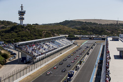Alex Palou, Campos Racing, leads Luca Ghiotto, RUSSIAN TIME and the rest of the field at the start o