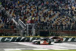 Alex Bowman, Chip Ganassi Racing Chevrolet takes the win