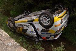 La Opel Adam R2 di Jari Huttunen dopo l'incidente