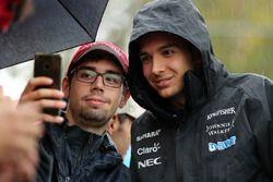 Esteban Ocon, Sahara Force India F1 avec des fans