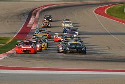 #58 Wright Motorsports Porsche 911 GT3 R: Patrick Long, Jörg Bergmeister, #54 Black Swan Racing Merc