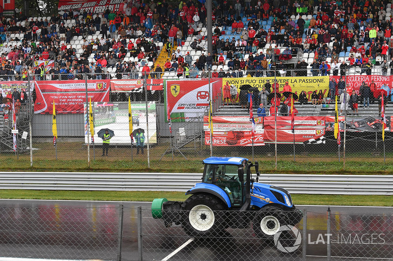 Traktor di trek