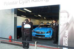 Box Polestar Cyan Racing