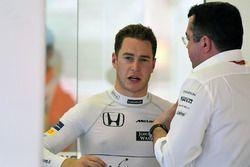 Stoffel Vandoorne, McLaren MCL32, Eric Boullier, McLaren-Rennleiter