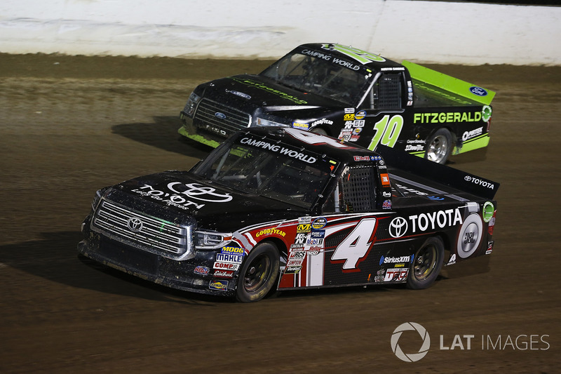 Christopher Bell, Kyle Busch Motorsports Toyota y Austin Cindric, Brad Keselowski Racing Ford