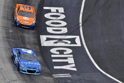 Kyle Larson, Chip Ganassi Racing Chevrolet, Joey Logano, Team Penske Ford