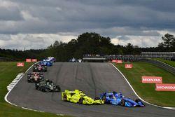 Scott Dixon, Chip Ganassi Racing Honda, Simon Pagenaud, Team Penske Chevrolet, Josef Newgarden, Team