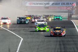 Arrancada #2 Black Falcon Mercedes AMG GT3: Khaled Al Qubaisi, Jeroen Bleekemolen, Patrick Assenheimer, Manuel Metzger