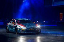De Electric GT Tesla in de Live Action Arena