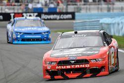 Joey Logano, Team Penske Ford, Kyle Larson, Chip Ganassi Racing Chevrolet