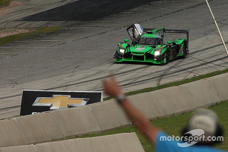 Переможці #22 Tequila Patron ESM Nissan DPi: Піпо Дерані, Йоханнес ван Овербек