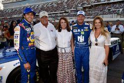 Chase Elliott, Hendrick Motorsports Chevrolet, Dale Earnhardt Jr., Hendrick Motorsports Chevrolet co
